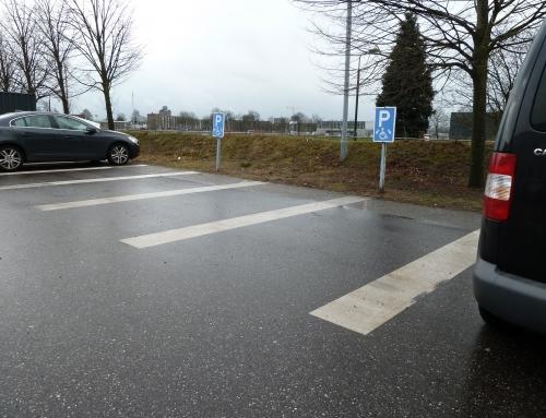 Gehandicaptenparkeerplaatsen Brabant Hallen Den Bosch onbruikbaar voor rolstoelers